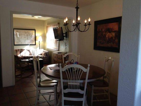 Hotel California: Casita - Dining / living room