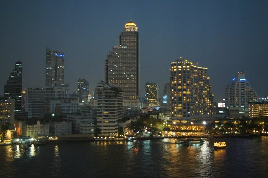 The Peninsula Bangkok: Stunning night time view