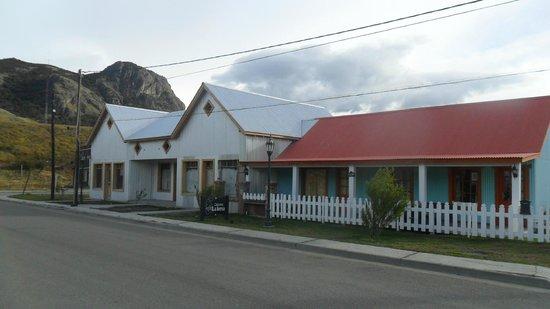 Cabanas La Loma: FRENTE DE LA CABAÑA