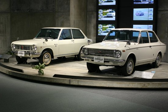 Toyota Corolla and Nissan Sunny, competitors in same ...
