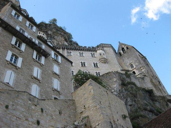 Le Terminus des Pelerins : looking up from front door