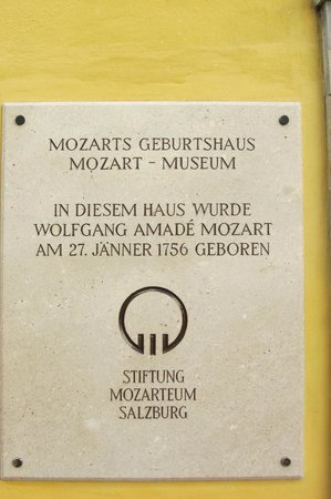 Mozart's Birthplace : Plaquette voorgevel