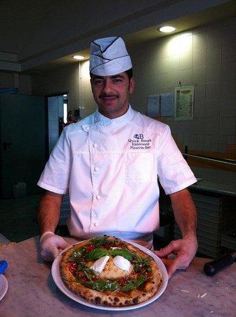 5 Star Pizzeria: pizzaiolo napoletano. ...