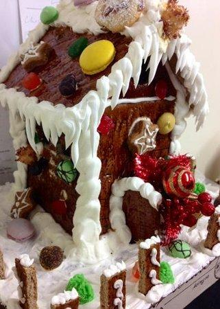 Upper Crust Deli Bistro: christmas gingerbread house