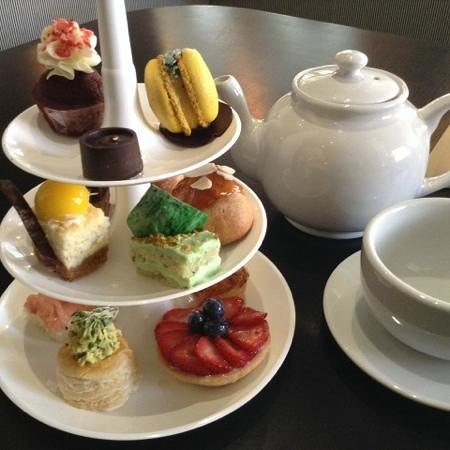 Upper Crust Deli Bistro: Afternoon Tea at Upper Crust