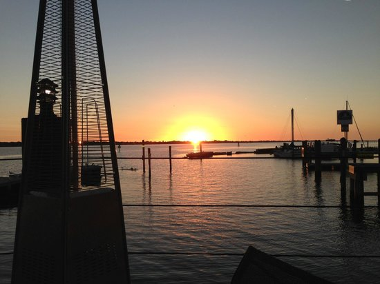 Riverhouse Reef & Grill: Sunset
