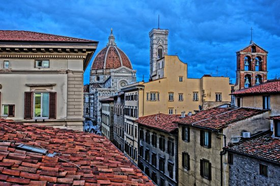 Hotel Laurus al Duomo: View from the Wine Bar/breakfast area
