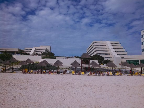 Park Royal Cancun : vista do hotel da praia