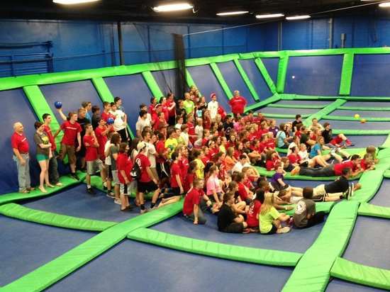 AirHeads Trampoline Arena: Perfect for Group Events!