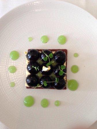 Restaurant Les Tuileries : Tarte sablée chocolat / chibouste kalamansi mousse menthe glaciale et cacao