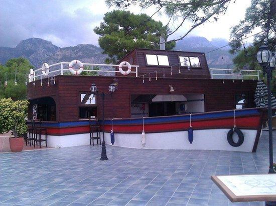 SENTIDO Sultan Beldibi : Pool eatery