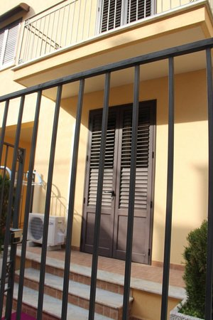B&B Sicilio: The room from outside