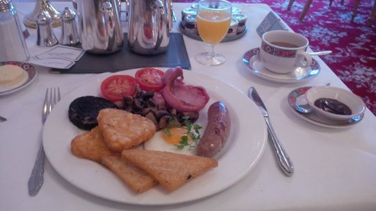 Hotel Riviera: perfectly presented & cooked breakfast