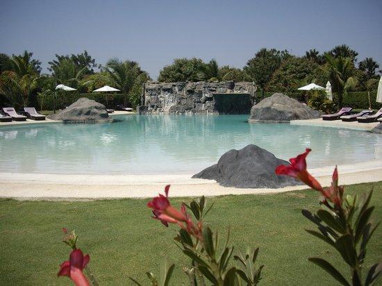 Hotel Keparanga : La piscine vue du restaurant