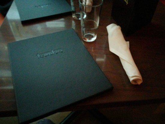 Tamba Indian Cuisine & Lounge: Table layout