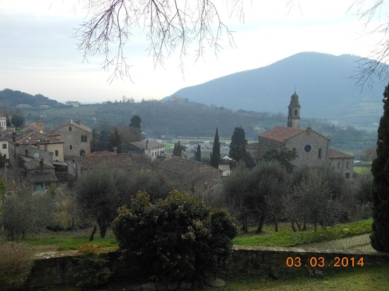 Villa del Poeta : Paesino incantevole