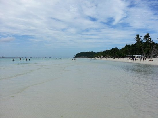 White Beach: пляж