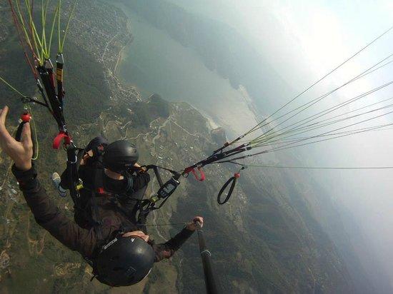 everest paragliding