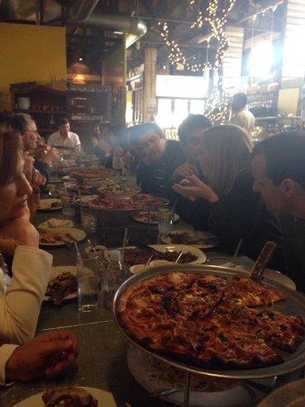 El Taller Baja Med Cocina: Pizzas con chili, cordero. Baja-med