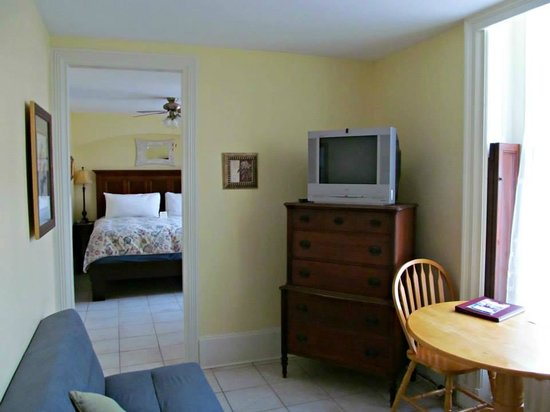 Chipman Hill Suites: My Room
