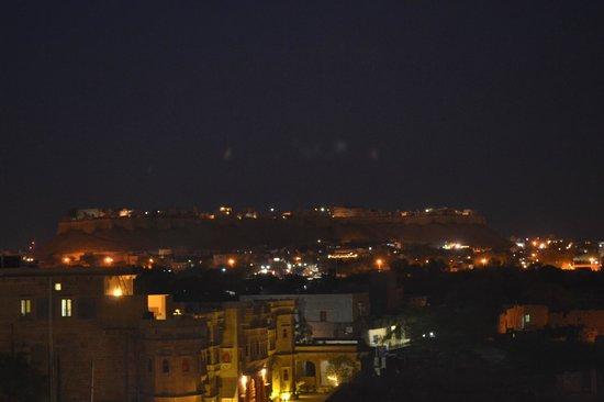 Hotel Fifu : Vue de nuit