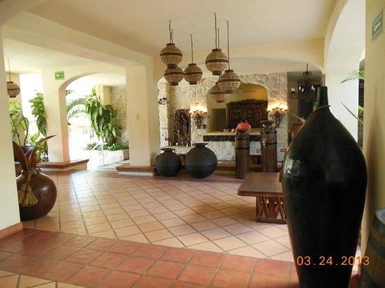 Los Arcos Suites: Lobby