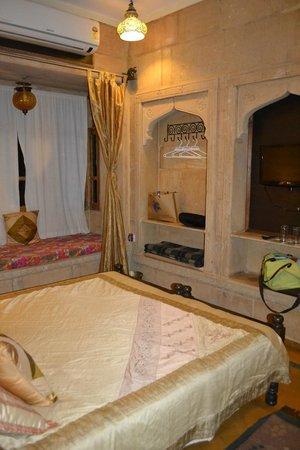 Hotel Fifu : Chambre avec un look soigné