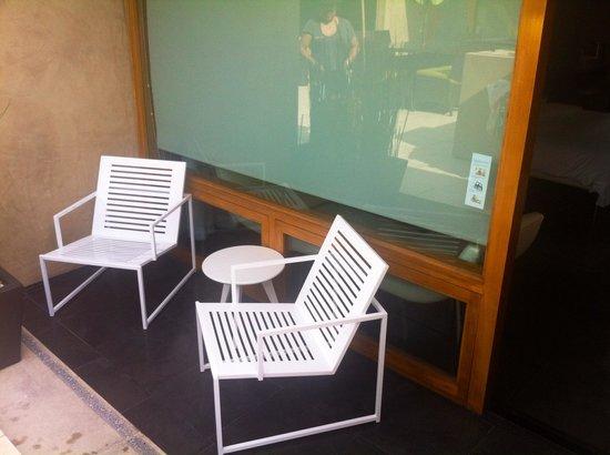 14 West Boutique Hotel : Outside patio Malibu Rm#11