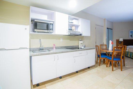 The Mill Resort & Suites Aruba : Studio room kitchenette