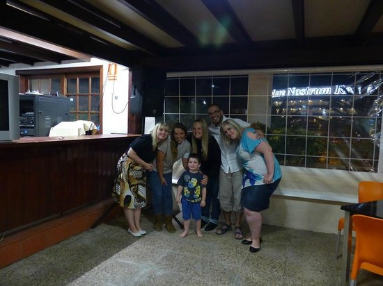Aparthotel Parque de la Paz : My family with the lovely Emma and Angy xxx