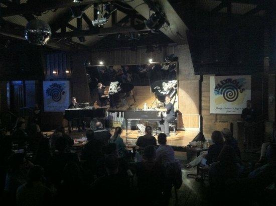Jellyrolls : Duelo de pianos.