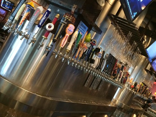 Yard House : Plenty of fermented beverages here.