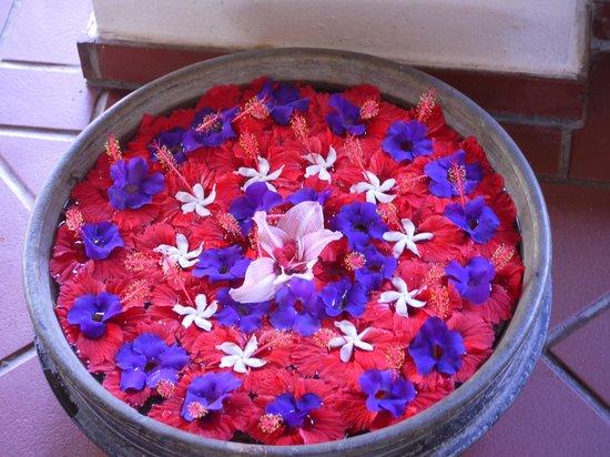 Sea Cliff Resort & Spa: Flower Arrangement