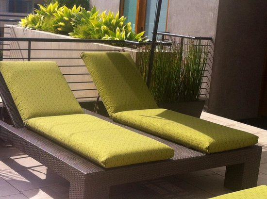 14 West Boutique Hotel: Outdoor area