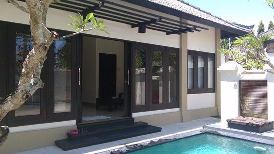 The Tukad Villa : 外觀