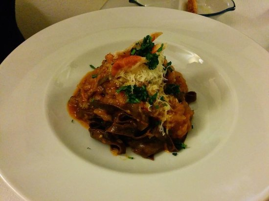 A'Cuncuma Restaurant: starter (dark pasta - great)