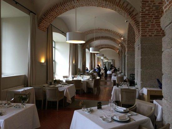Restaurante Parador de La Granja : A view of one of the sides of the restaurant