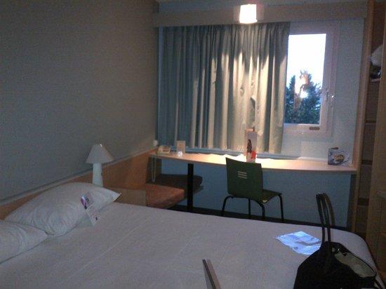 Ibis Auch : chambre rénovée