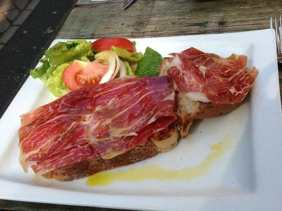 La Oliva : Delicious sandwich with