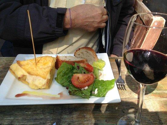 La Oliva : Tortilla with cheese