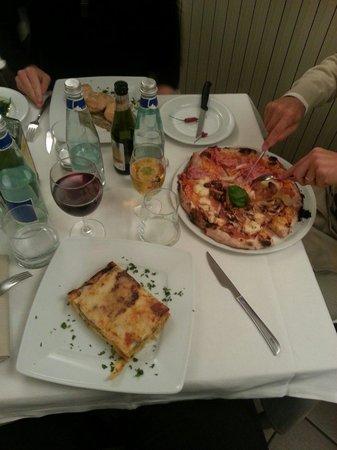 Bakery Restaurant & Pizza : Lasagna e pizza