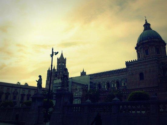 Cattedrale di Palermo: cattedrale al tramonto