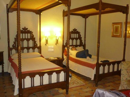 Parador de Ubeda : four posts beds