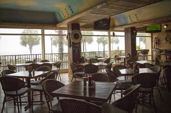 The Red Parrot Ocean Bar & Grill