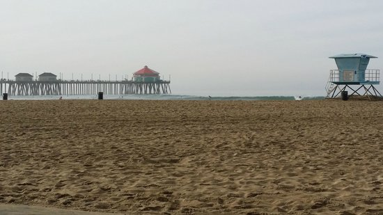 Kimpton Shorebreak Hotel: just across the PCH to the Huntington Pier