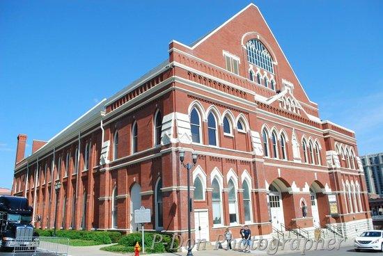 Ryman Auditorium : l'edificio
