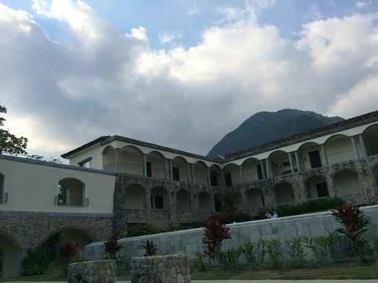 Los Mandarinos Boutique Spa & Hotel Restaurant: Vue de la piscine