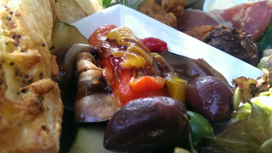 Mudbrick Vineyard & Restaurant: Marinated veggies