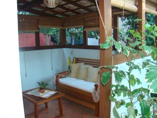 Pousada Quarto Crescente: sala exterior de la habitacion para leer o descanso