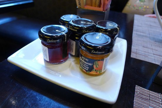 City Table: Selection of jams
